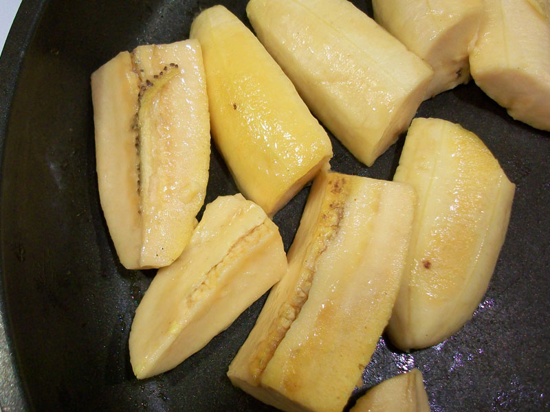 Plantain in pan