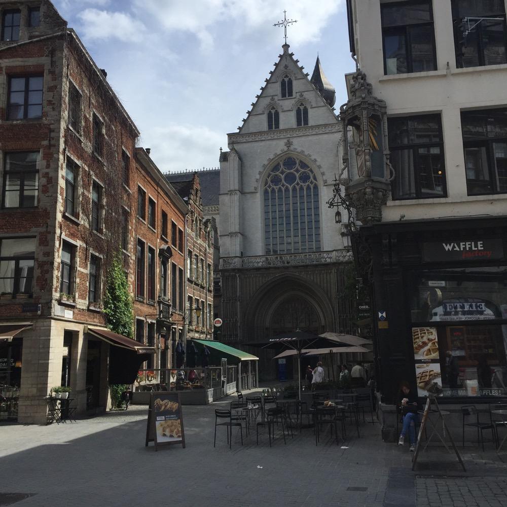 kerk en waffle café